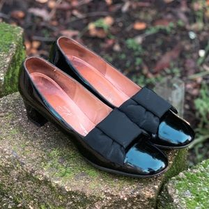 1960's Buffum's CA Patent Leather Ripple Bow Pumps
